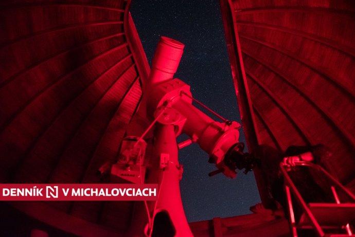 Ďalekohľad v pohyblivej kupole michalovskej hvezdárne. Foto N - Tomáš Hrivňák