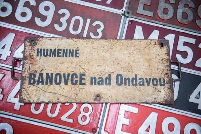 Železničnú trať medzi Bánovcami nad Ondavou a Humenným doteraz neelektrifikovali. ŽSR dúfa, že to dokážu napraviť z plánu obnovy. Foto N - Tomáš Hrivňák