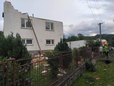 Tornádo v obci Petkovce. Foto – Facebook/Meteo Východ