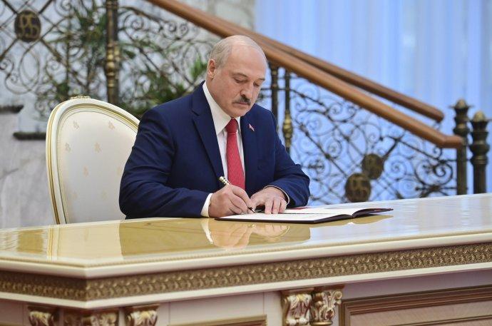 Alexandr Lukašenko podľa bieloruskej analytičky vytvoril prostredie, kde sa tie najbrutálnejšie zločiny nielenže tolerujú, ale sú aj žiadané. Foto - TASR/AP