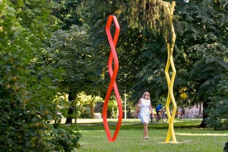 Trizuljakove sochy v piešťanskom parku. Foto – Martin Palkovič