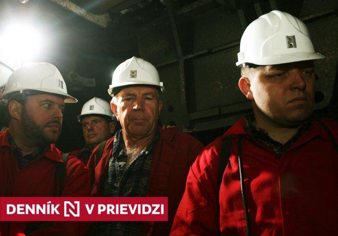 Peter Čičmanec (v strede), Robert Fico a Vladimír Jánoš. Foto – TASR