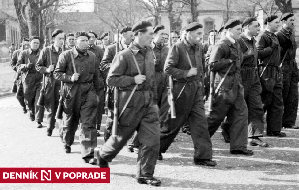 Milicionári v roku 1949 v Bratislave. Foto – TASR