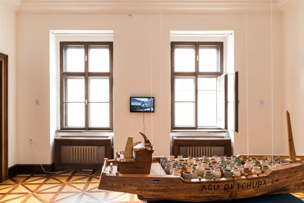Pohľad do výstavy Action Everything v Pálffyho paláci Galérie mesta Bratislavy. Foto - Barbora Girmanová