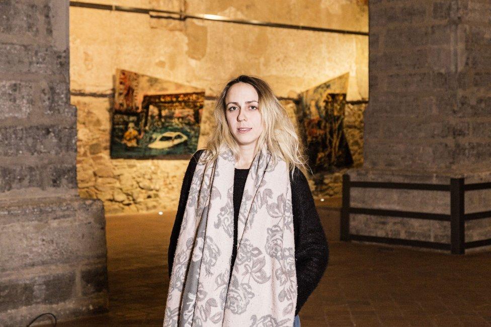 Oľga Paštéková na výstave Kde bolo - nebolo, Dom umenia Opava, 2019. Foto - Richard Kučera Guzmán