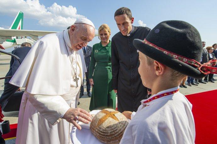 Privítanie pápeža Františka na *Slovensku. Foto - TASR