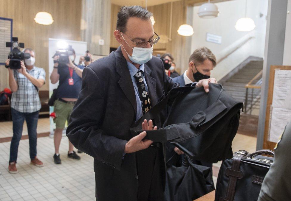Dobroslav Trnka pred pojednávaním v kauze Gorila. Foto - TASR
