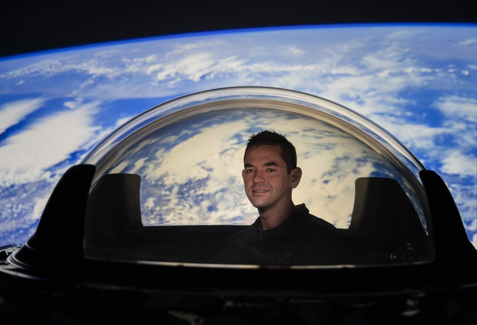 Veliteľom posádky je 38-ročný miliardár Jared Isaacman. Foto – Inspiration4/Twitter