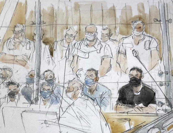 Na umeleckej skici hlavný obžalovaný Salah Abdeslam (v čiernom vpravo) sedí v špeciálnej súdnej sieni v Paríži. Foto - tasr/ap