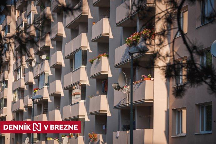 Bývanie v Brezne. Foto N – Peter Kováč