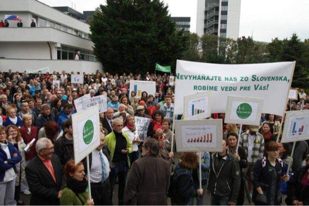 Protesty iniciatívy Veda chce žiť! (zdroj: Archív iniciatívy)