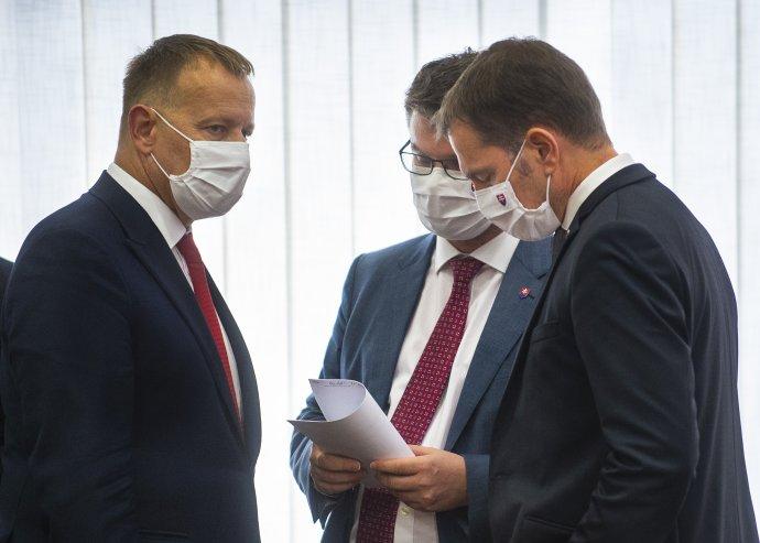 Zmeny vo verejnom obstarávaní boli hlavnou agendou vicepremiéra Štefana Holého, predsedu NR SR Borisa Kollára a bývalého premiéra Igora Matoviča. Foto - TASR