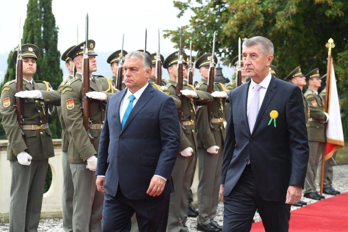 Andrej Babiš privítal v Česku Viktora Orbána. Foto – TASR/AP