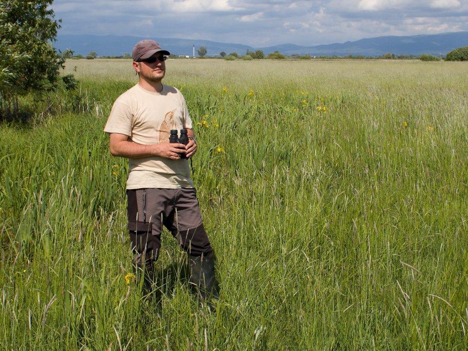 Ornitológ Matej Repel zo združenia SOS/BirdLife. Foto – archív Mateja Repela
