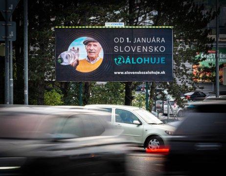 Správca zálohového systému spustil kampaň, ktorou pripravuje ľudí na zmenu od 1. januára 2022. Foto N – Tomáš Grečko