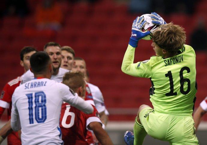 Slováci nedokázali prekonať ruského brankára Safonova. Foto - TASR/AP