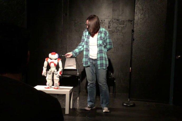 Jon the Robot. Foto –YouTube